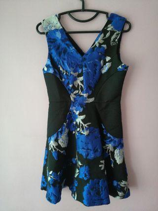 🚚 Structured Royal Blue Floral Black Dress
