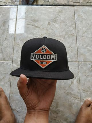 4a0a9ad4e volcom | Men's Accessories | Carousell Indonesia