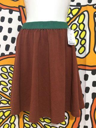 🚚 .棕色綠邊裙子