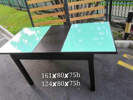 Table with 4chairs