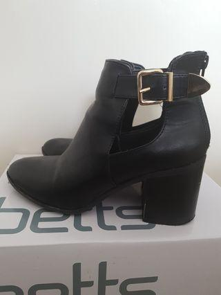Rubi Faux Leather Ankle Boots - Size 6/7