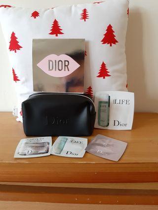 🚚 降價~Dior 化妝包試用包組合