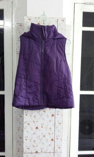 Winter jacket vest rompi jaket. Beli pas d jepang. Cm dipake 2 kali