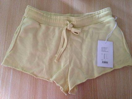 Woman's chianti shorts