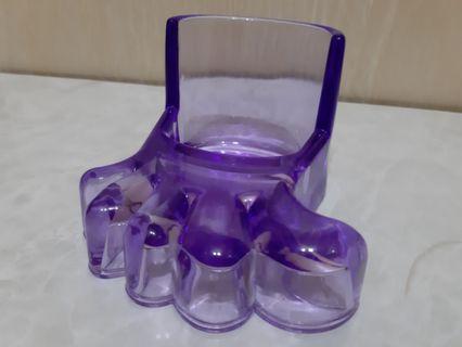 紫色腳板形盛載器