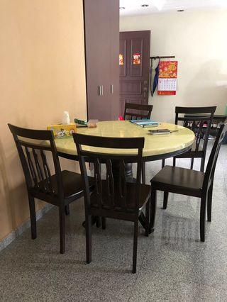 🚚 Dining Table Set with 4 chairs