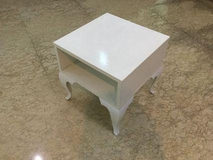Side table (H40cm L48cmW48cm)
