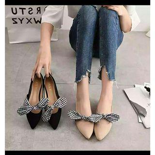 Sepatu slip on flatshoes pita kotak cantik