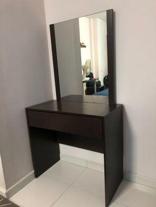 🚚 Dressing Table With Mirror