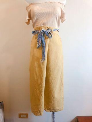 挺版黃色長裙