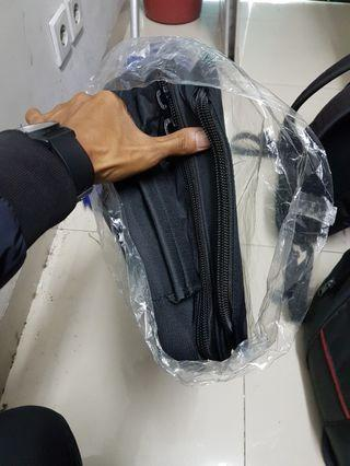 Tas untuk kerja dan bawaan banyak