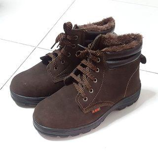 BN Dark Brown Steel Toe Fur Safety Boots