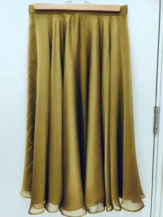 Rich flair olive green midi skirt
