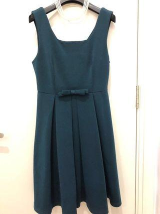 Excellent quality Forrest green dress