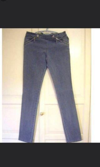 Stella McCartney designer jeans grey size euro 40 or 29 inch low waist zip pocket design Medium sz 29 waist