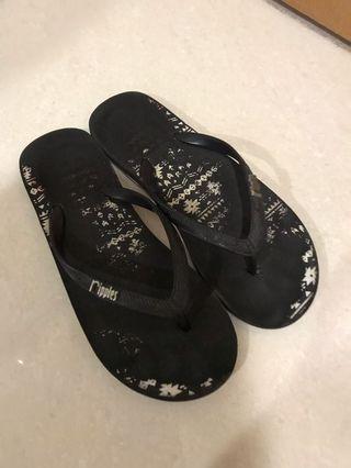 Ripples Sandal