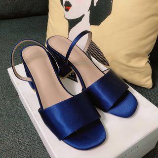 🚚 寶藍露趾粗跟涼鞋!