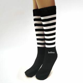 Kaos Kaki Salur hitam putih Panjang Sebetis Woman Socks Black & White Murah Berkualitas