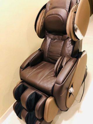 Excellent Condition Brown Osim uMagic Massage Chair