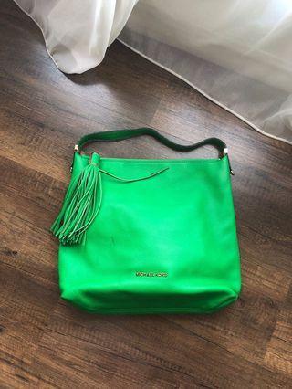 hobo leather bag,kondisi mulus,ringan,banyak compartment di dalem,zipper