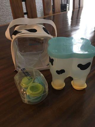 Basilic milk powder container