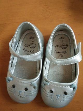 Sepatu Anak Avenue