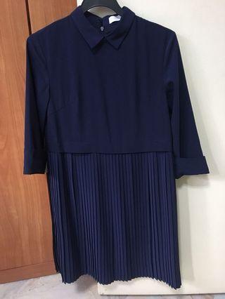 Pleated long sleeve blue dress