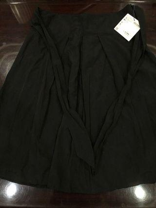 Zara Pleated Black Bow Tie waist Midi Skirt