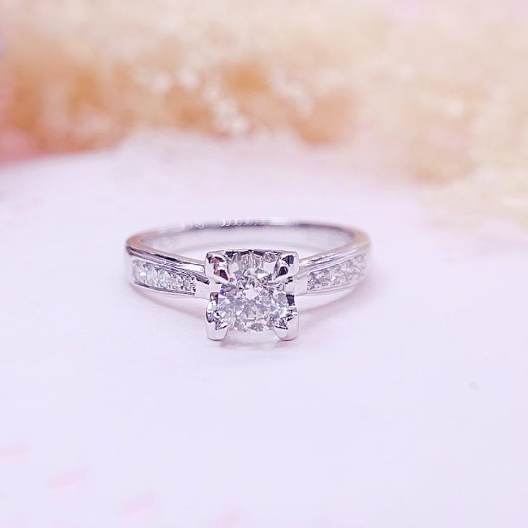 18K金天然鑽石求婚戒指主石31份10粒伴石8份