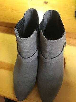 Randa 灰色靴