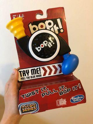Bop It! Micro Series Game 'Twist It, Pull It, Bop It!'