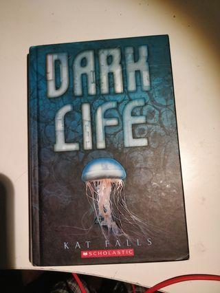 BOOK Dark life by Kat Falls