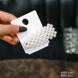 🚚 Pearl hair clip