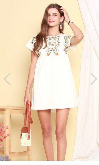 White floral embroidery romper dress