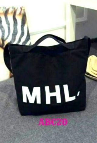 🚚 (降價 二手近全新)黑色字母MHL.帆布環保購物袋   #半價衣服拍賣會