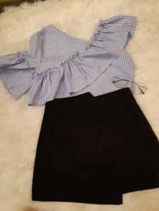 Pre-loved Off shoulder top