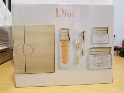 《全新正品》Dior Prestige skin care set - HKD3600 (不議價,只有一套)