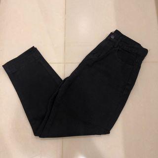 🚚 黑色直筒牛仔褲