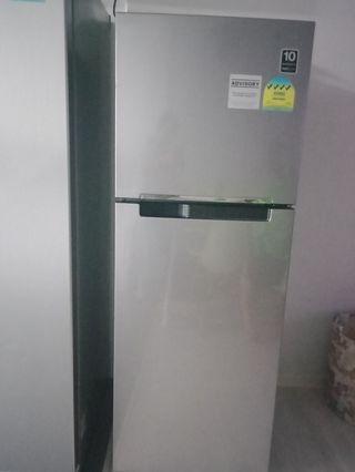 $200 samsung fridge