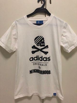 🚚 Adidas white tee
