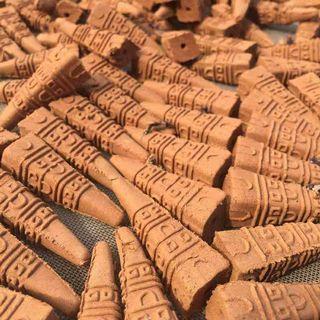 🚚 # 半價居家拍賣會#【50粒】【五色布甘露煙供食子香塔】上供下施海濤法師法會用,六字大明咒, 西藏祭祖神靈古曼童香粉