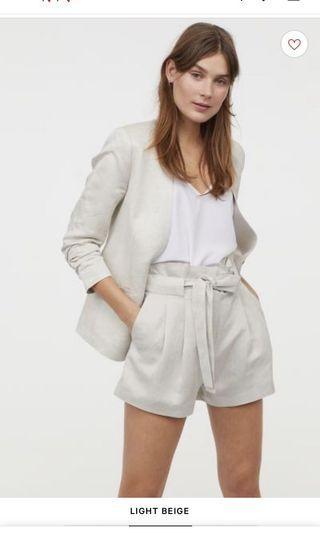 🚚 H&M Beige shorts