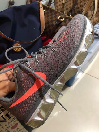 wholesale dealer 684cc a83f5 101% Original Nike Shoes US Men s 9.5