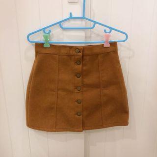 🚚 土黃色排扣短裙