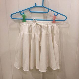 🚚 澎澎可愛白色短裙