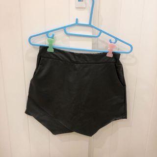 性感不規則皮革短裙