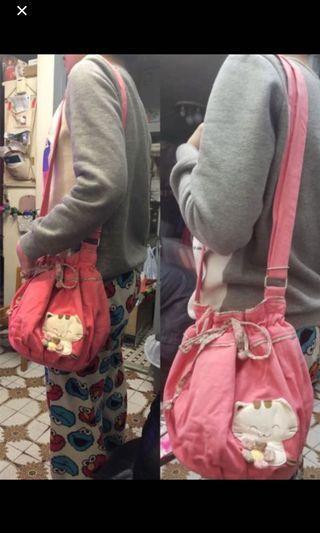 粉紅色小貓水桶袋 斜揹袋 側揹袋 小孩少女都適用 購至台灣 手袋