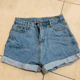 🚚 牛仔短褲 #半價衣服拍賣會