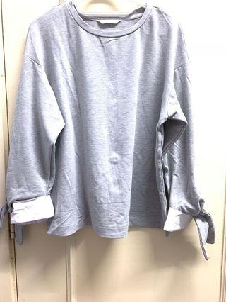 GREY TOP WITH KNOT RIBBON