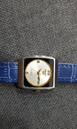 VINTAGE SEIKO 5 AUTOMATIC DAY/DATE WATCH(Pre-owned)